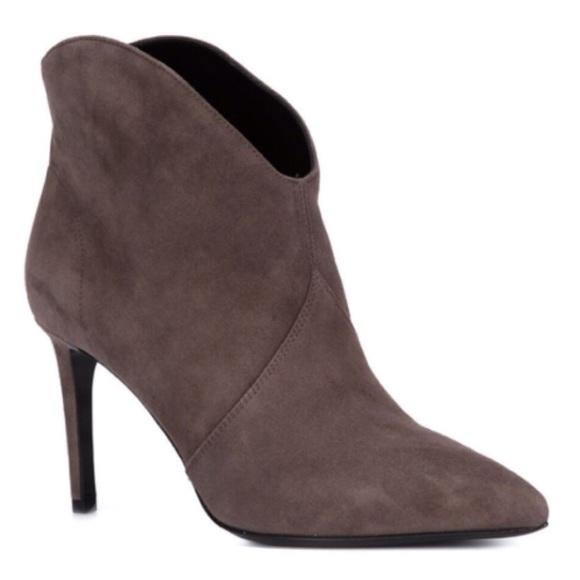 96affbb3af4 Yves Saint Laurent Shoes   Price Firm Saint Laurent Paris 105 Boot ...